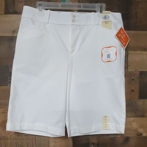 Dockers White bermuda shorts size 12
